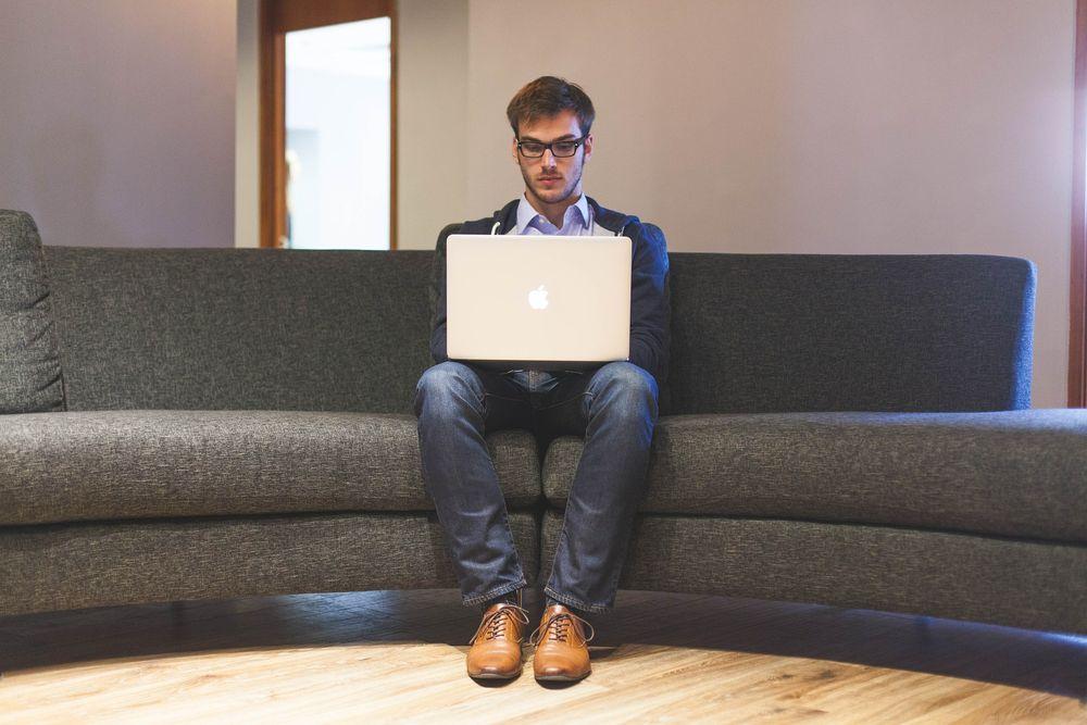 Emprendedor trabajando